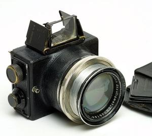The Ermanox, perhaps the first camera designed to free mankind from flash.