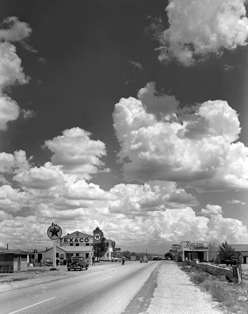 Andreas Feininger's masterful staging of sky for Life Magazine.