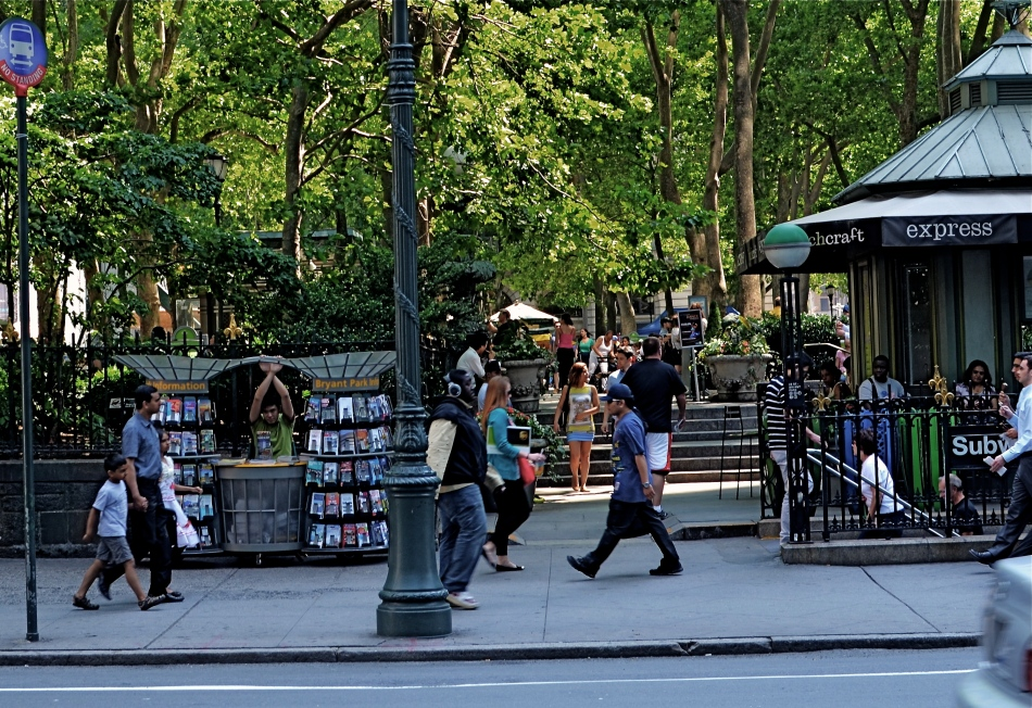 Bryant Park Tableau, 2013. 1/100 sec., f/5.6, ISO 100, 35mm.