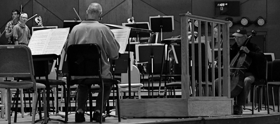 This Tanglewood rehearsal photo was at least 2/3rds bigger in the original, but a severe crop highlights a relationship between these players that the bigger image buried.